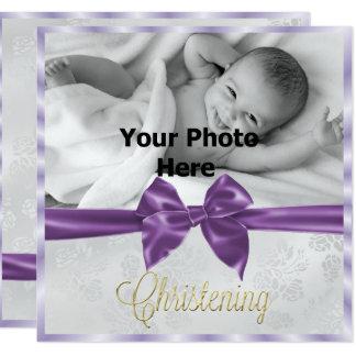 El bautizo del chica de la foto del lazo de satén invitación 13,3 cm x 13,3cm