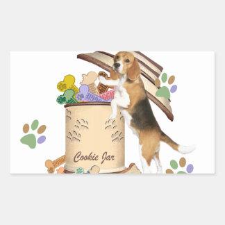 El beagle robó la galleta del tarro de galletas pegatina rectangular