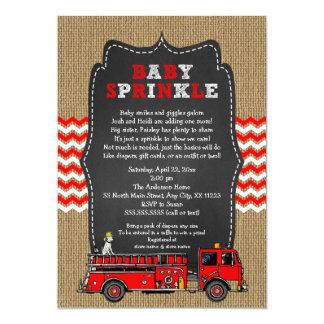 El bebé del coche de bomberos asperja invitación 12,7 x 17,8 cm