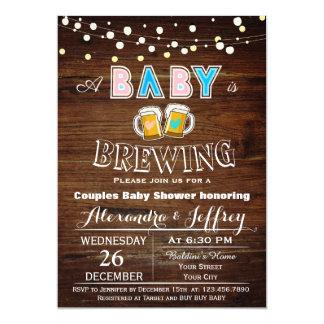 El bebé está elaborando cerveza la invitación de