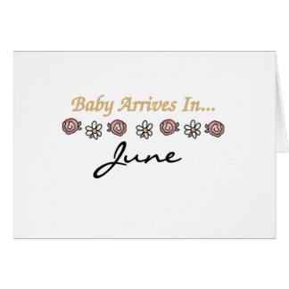 El bebé llega en junio tarjeta de felicitación