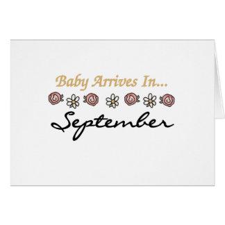 El bebé llega en septiembre tarjeta de felicitación