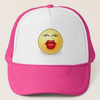 El besarse divertido de Emoji del gorra
