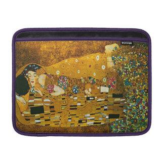 """""""El beso"""" Gustavo Klimt 13"""" manga de aire de Funda Para MacBook"""
