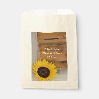 El boda amarillo del país del velo del girasol le bolsa de papel