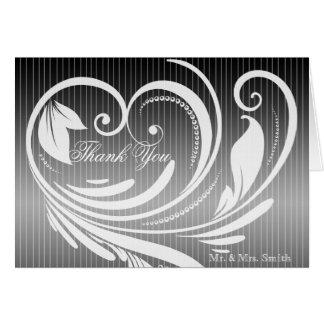 El boda blanco negro del corazón de la tela a tarjeta