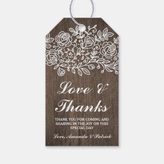 El boda de madera rústico del cordón y del país le etiquetas para regalos