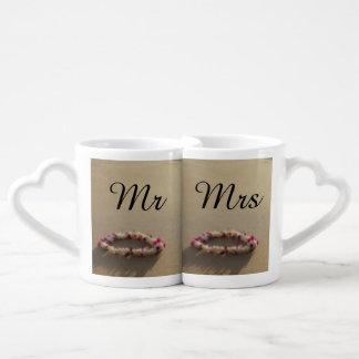 El boda de playa hawaiano de los leus junta la set de tazas de café