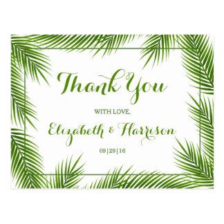 El boda de playa tropical de las hojas de palma le postal