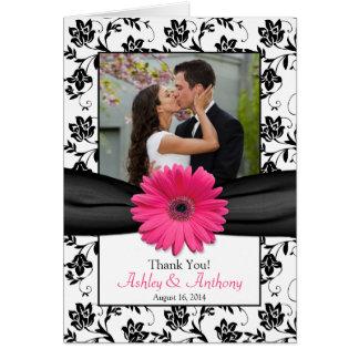 El boda floral blanco del negro rosado de la tarjeta