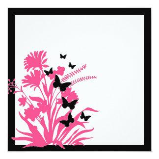El boda floral blanco negro rosado de la mariposa invitación 13,3 cm x 13,3cm