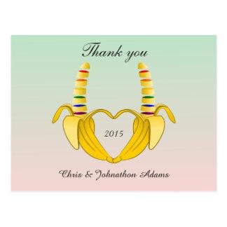 El boda gay del corazón del plátano de la postal