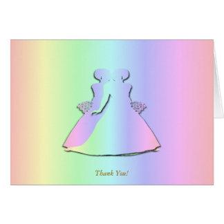 El boda lesbiano del arco iris en colores pastel felicitación