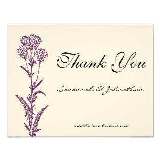 El boda púrpura de la rama de la flor salvaje le invitación 10,8 x 13,9 cm