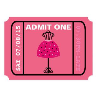 El boleto del desfile de moda del fiesta del chica invitación 12,7 x 17,8 cm