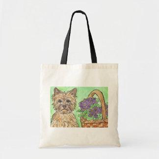 El bolso del terrier de mojón florece a la momia