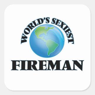 El bombero más atractivo del mundo calcomanía cuadradas personalizada