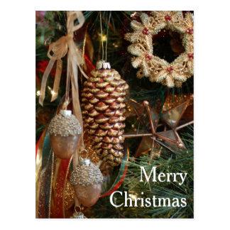 El bosque rústico adorna el árbol del día de tarjeta postal