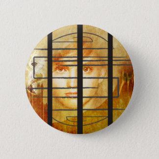 El botón de la pared del laberinto
