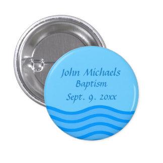 El botón del bautismo con nombre y la fecha riegan pin