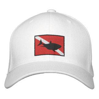 El buceador del tiburón del EQUIPO DE SUBMARINISMO Gorra De Béisbol Bordada