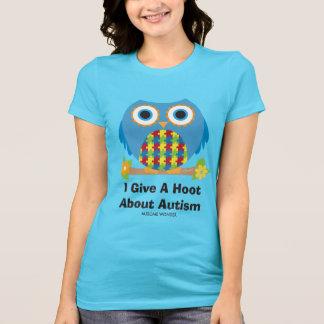 El búho lindo da un pitido sobre autismo camiseta