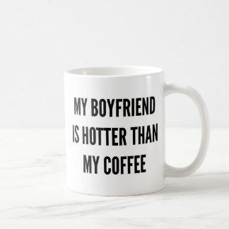 El café del navidad mi novio es más caliente que taza de café