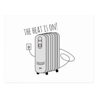 El calor está prendido postal
