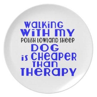 El caminar con mi diseño polaco del perro del plato de comida