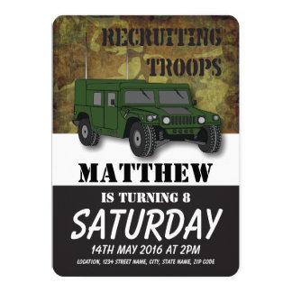 El camión militar del camuflaje del ejército invitación 12,7 x 17,8 cm