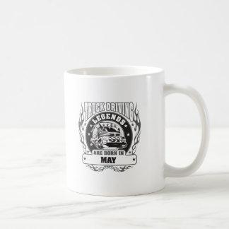 El camión que conduce leyendas nace en mayo taza de café