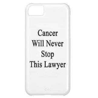 El cáncer nunca parará a este abogado