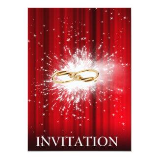 El casarse de oro de los anillos de las luces invitación 11,4 x 15,8 cm