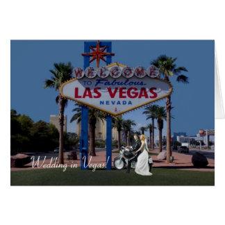 ¡El casarse en Vegas! Novia y novio en tarjeta de