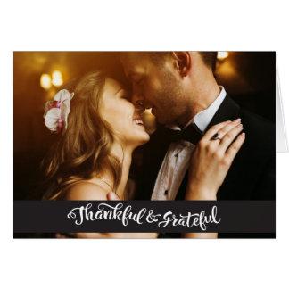 El casarse le agradece las tarjetas de nota de las