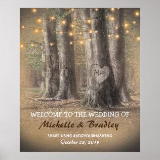 El casarse rústico de las luces del árbol y de la póster