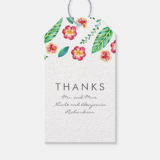 El casarse tropical de las flores y de las hojas etiquetas para regalos