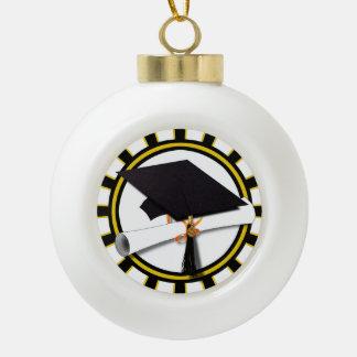 El casquillo y el diploma w/School del graduado Adornos