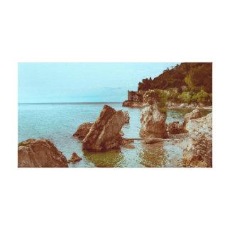 El castillo en el mar y las rocas lienzo