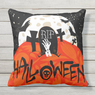 El cementerio fantasmagórico de Halloween golpea Cojín Decorativo