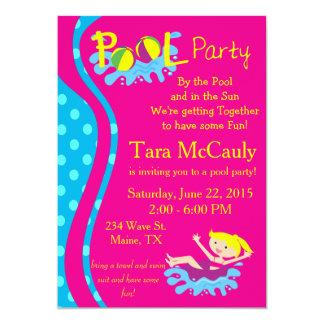 El chica de fiesta en la piscina invita invitación 12,7 x 17,8 cm