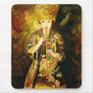 El chica de la cultura de Zhangbo Hmong es señora  Tapete De Ratón