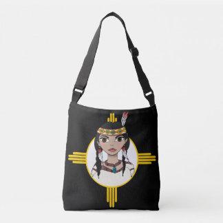 El chica del nativo americano diseñó el bolso