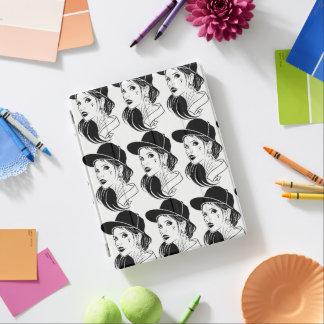 El chica poco convencional cubierta de iPad