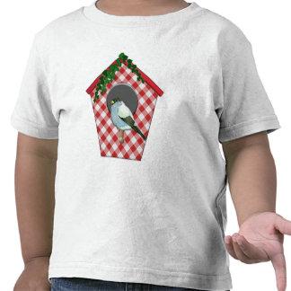 El Chickadee en hiedra roja de la guinga cubrió la Camiseta