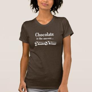 El chocolate es la respuesta yum yum camiseta