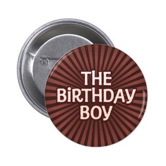 El chocolate trabaja al muchacho del cumpleaños chapa redonda de 5 cm