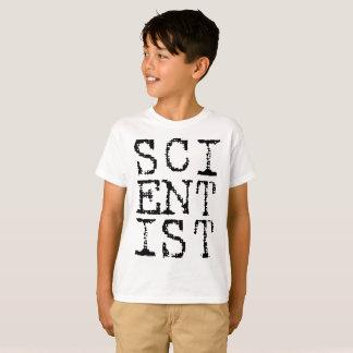El científico embroma la camisa