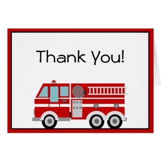 El coche de bomberos rojo y el gorra le agradecen tarjeta