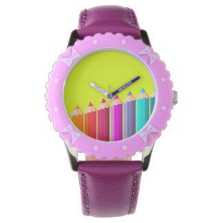 El color dibujó a lápiz el reloj